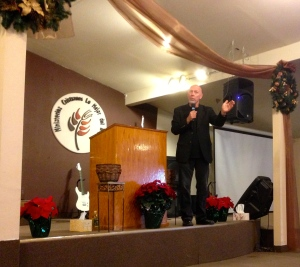 Bill Yarbrough Preaching at Lo Mejor Del Trigo