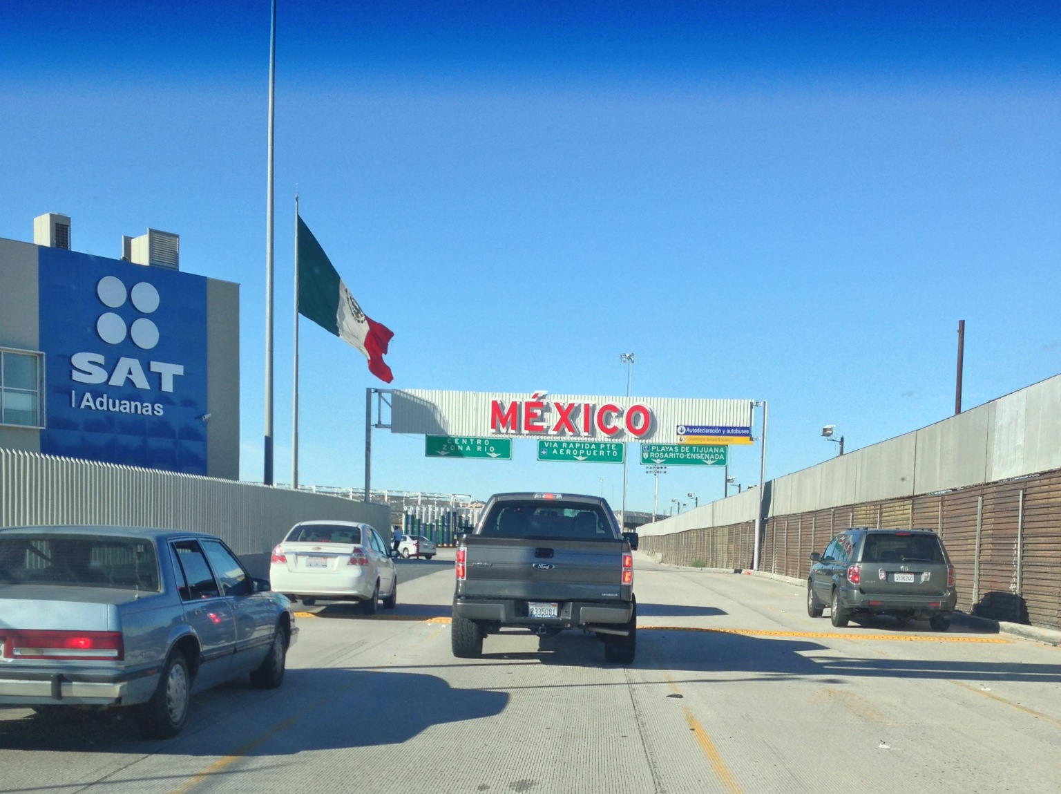 San Ysidro Border Crossing Our Life On The Border