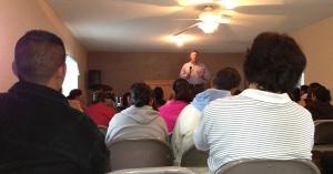 Dave preaching at Lo Mejor del Trigo in Rojo Gomez