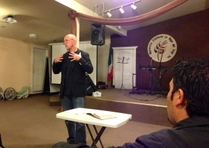 Bill Yarbrough teaching on Christ centered preaching with the pastors from Lo Mejor del Trigo