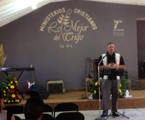 Dave preaching at Lo Mejor del Trigo