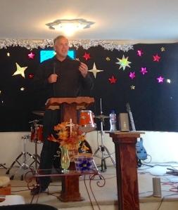 Dave preaching in El Niño parte alto