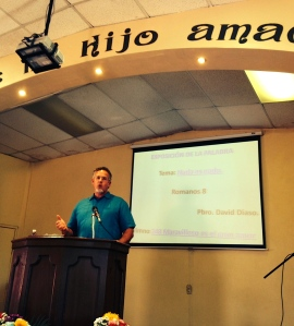 Dave preaching at Iglesia Nueva Jerusalén (New Jerusalem Church) in Ensenada