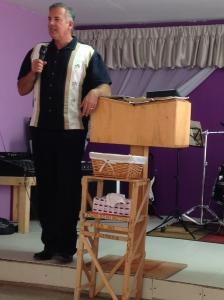 Dave Preaching at Lo Mejor del Trigo - Terrazas