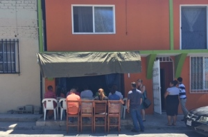 From the outside looking in to the Monte Sion Church in Tijuana - they are praying for a bigger and better facility