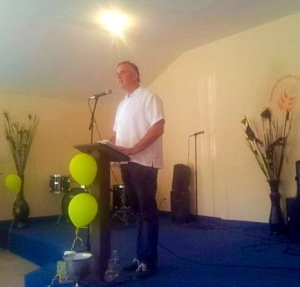 Dave preaching at LMT Plan Libertador in Rosarito