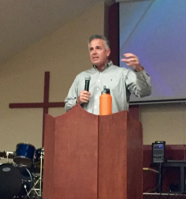 Dave preaching at Ministerios Transformation in La Morita Tijuana