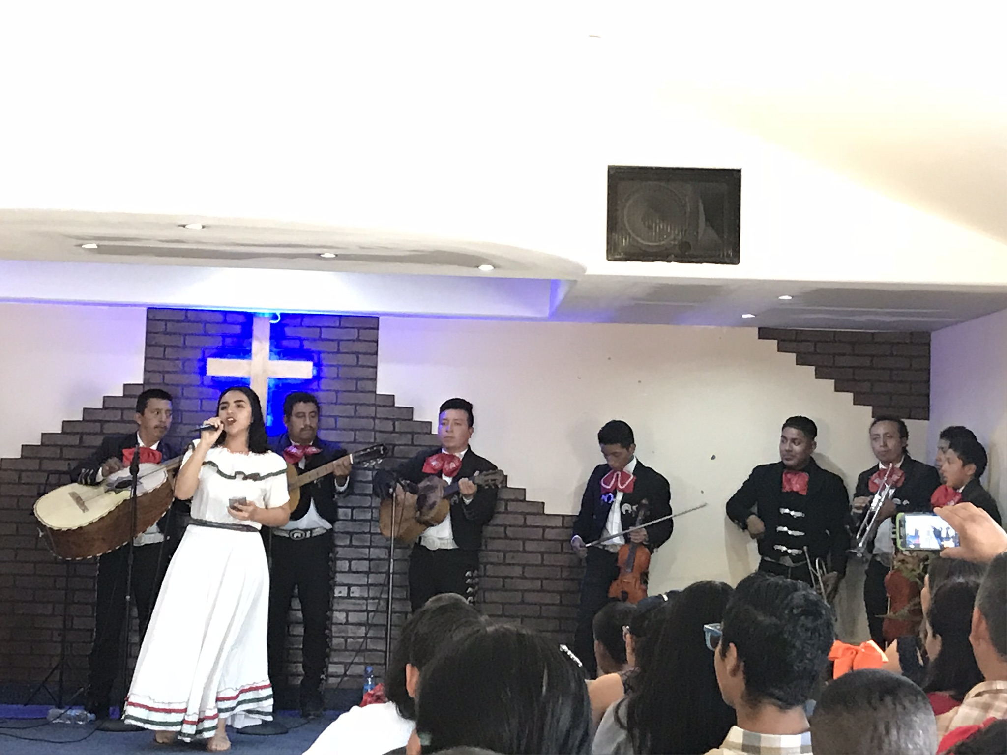 The Mariachis leading worship