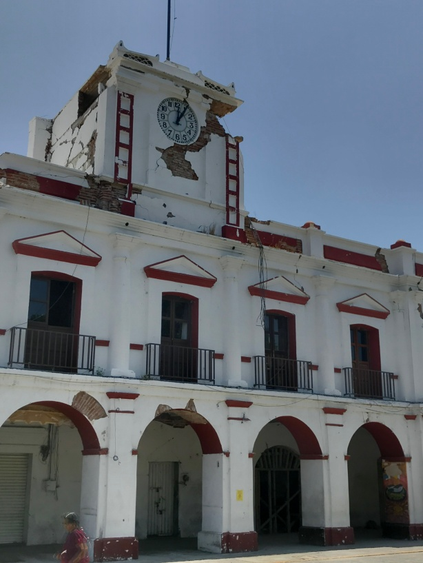 A government building on the town square of Juchitán that was damaged