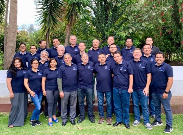 A great group. Friends from Colombia, Uruguay, Venezuela, Ecuador, Honduras, Costa Rica and Mexico who serve with Red de Multiplicación