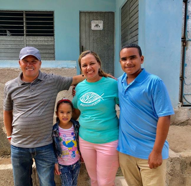 Luis & May with their children Zuri & David